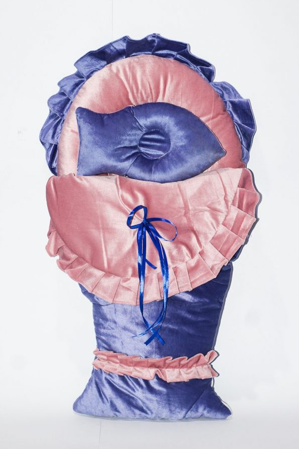 baby-fish-carrying-sleeping-bag-bed-velvet-pink-and-blue